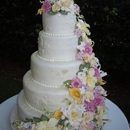 CAKE-LAVISH-CASCADE-OF-SUGAR-FLOWERS1